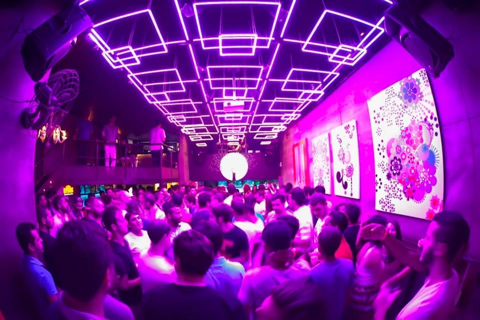 Galeria's dance floor, image by Beto Vilella (taken from venue's Facebook page)