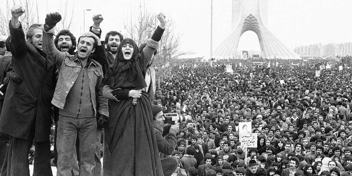 Iranians during the 1979 Revolution at Azadi Square – image of public domain via Wikipedia