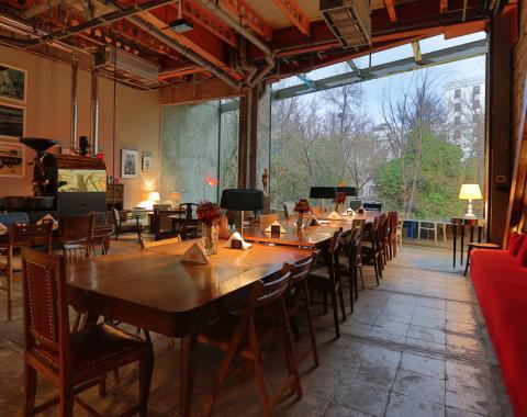 Travelvince divan for Divan restaurant tehran