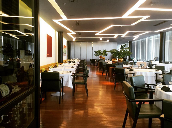 Image from Buffet Laguiole on Instagram